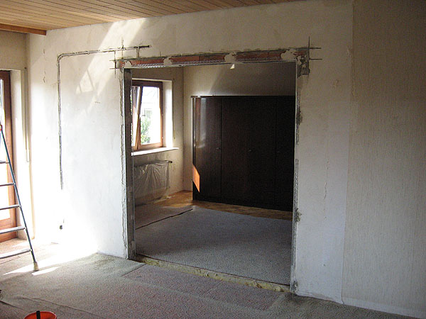Sturz einbauen, Wand entfernen, Eckwinkel setzen
