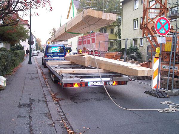 Holzbalken,Dachstuhl, Zinkblech-dach,Sandwich-Platten