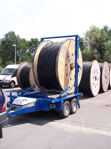 Leerrohr-, Kabel-Trommel-Transport